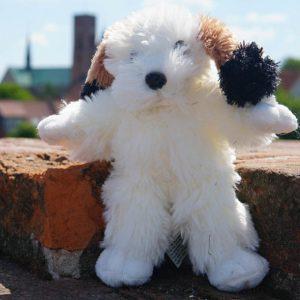 Den lille hvide hunde bamse