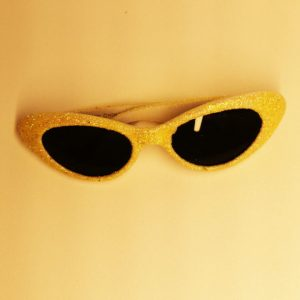 Gule glitter solbriller til bamsen